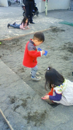 幼なじみの子と遊ぶ